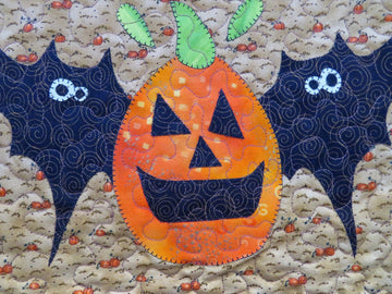 Handmade Quilted Table Topper Pumpkin Bats
