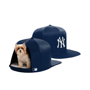 5ecfc93fcb457 Nap Cap - New York Yankees Pet Bed