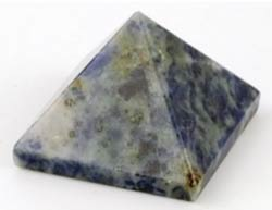Sodalite Pyramid 25-30mm