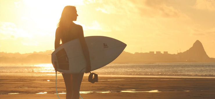 FEMALE SURFERS WE LOVE