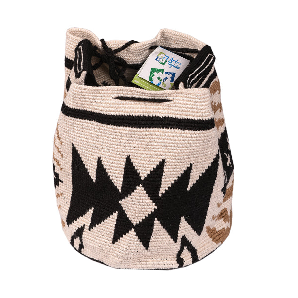 Back of Wayuu style beach bag