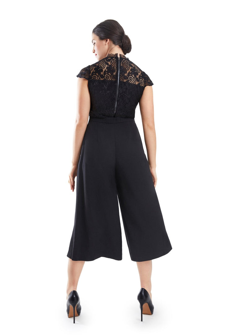 MAYA BATHROOM FRIENDLY JUMPSUIT