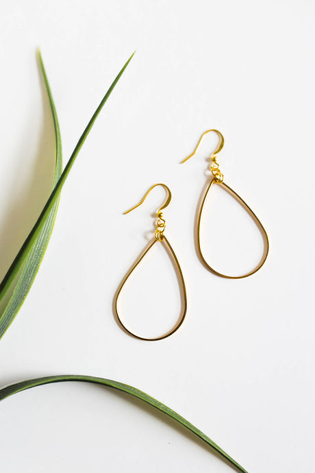 Dainty Teardrop Earrings