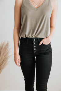 The Slater High-Waisted Jeans in Black