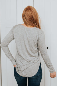 Our Everyday V-Neck Long Sleeve in Heather Gray