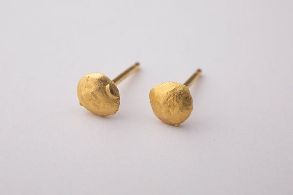 Takara T Robinson tiny gold nugget posts