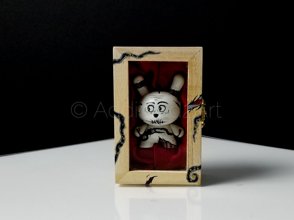 "The Birth of Memory Custom 3"" Dunny w/ Hand-Painted Wooden Box by Ardabus Rubber"