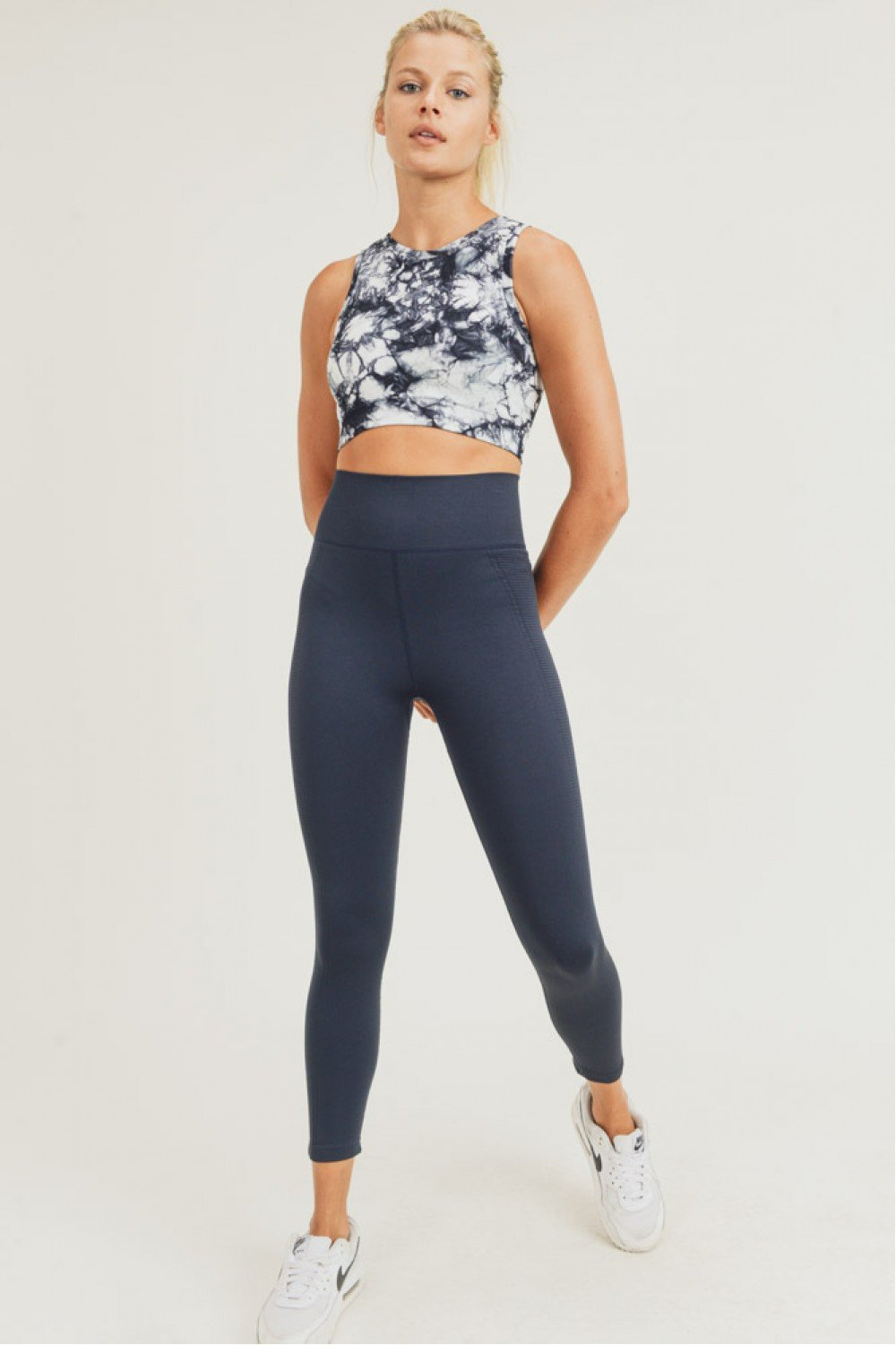 Model full body shot of the seamless high waisted leggings.