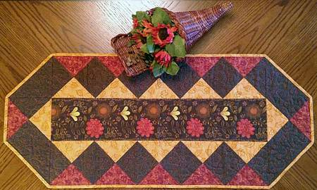 Fabulous Strip Table Runner pattern - CLPCLA005