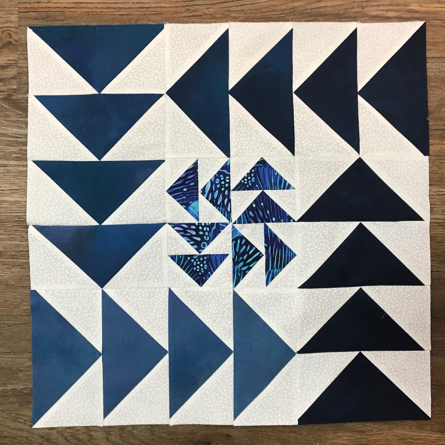 2020 Quilters Trek A Study in Blue: Ombre' Effects Kit