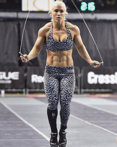 The Top 30 Hottest Crossfit Girls Of 2018 Wod Fever Pregnant woman with dumbbells smiling at man and woman having cross training in gym. the top 30 hottest crossfit girls of