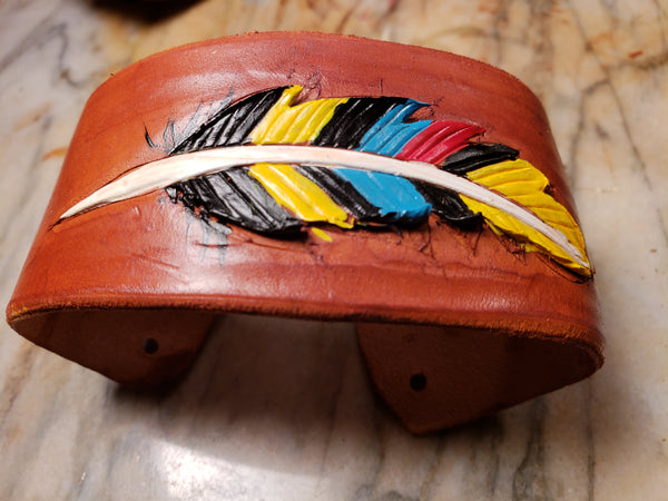 Tricolor leather cuff