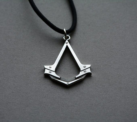 Antique Silver Assassins Creed Cosplay Pendant Necklace