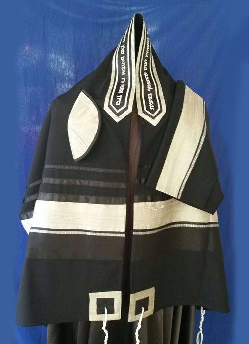 Elegant Silver and Black pattern Black Wool Tallit