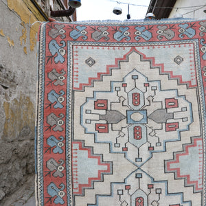 ON HOLD NOT AVAILABLE 1138 Nisa 3'1x4'7 Handwoven Vintage Rug