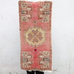 ON HOLD / CURRENTLY NOT AVAILABLE FOR PURCHASE 1305 Small Handwoven Vintage Rug 1'6x3'3