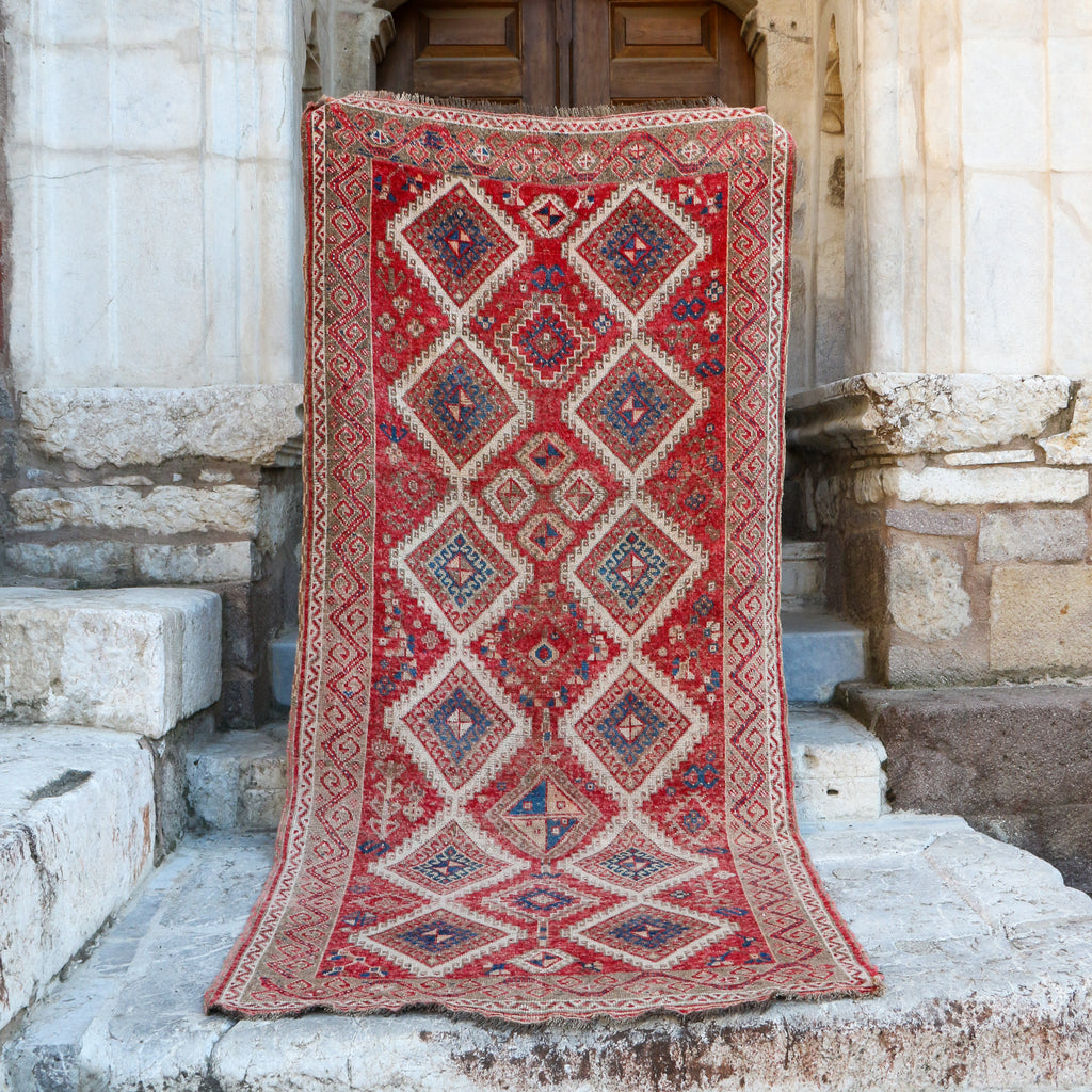 ON HOLD NOT AVAILABLE 1642 Pinar 4'9x10'6 Handwoven Vintage Rug