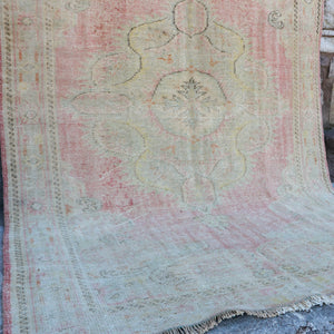 1670 Lale 6'4x10 Handwoven Vintage Rug