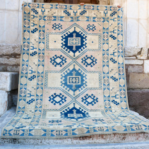CURRENTLY ON HOLD/NOT AVAILABLE FOR PURCHASE EN 1742 Fusun 6'11x10'2 Handwoven Vintage Rug