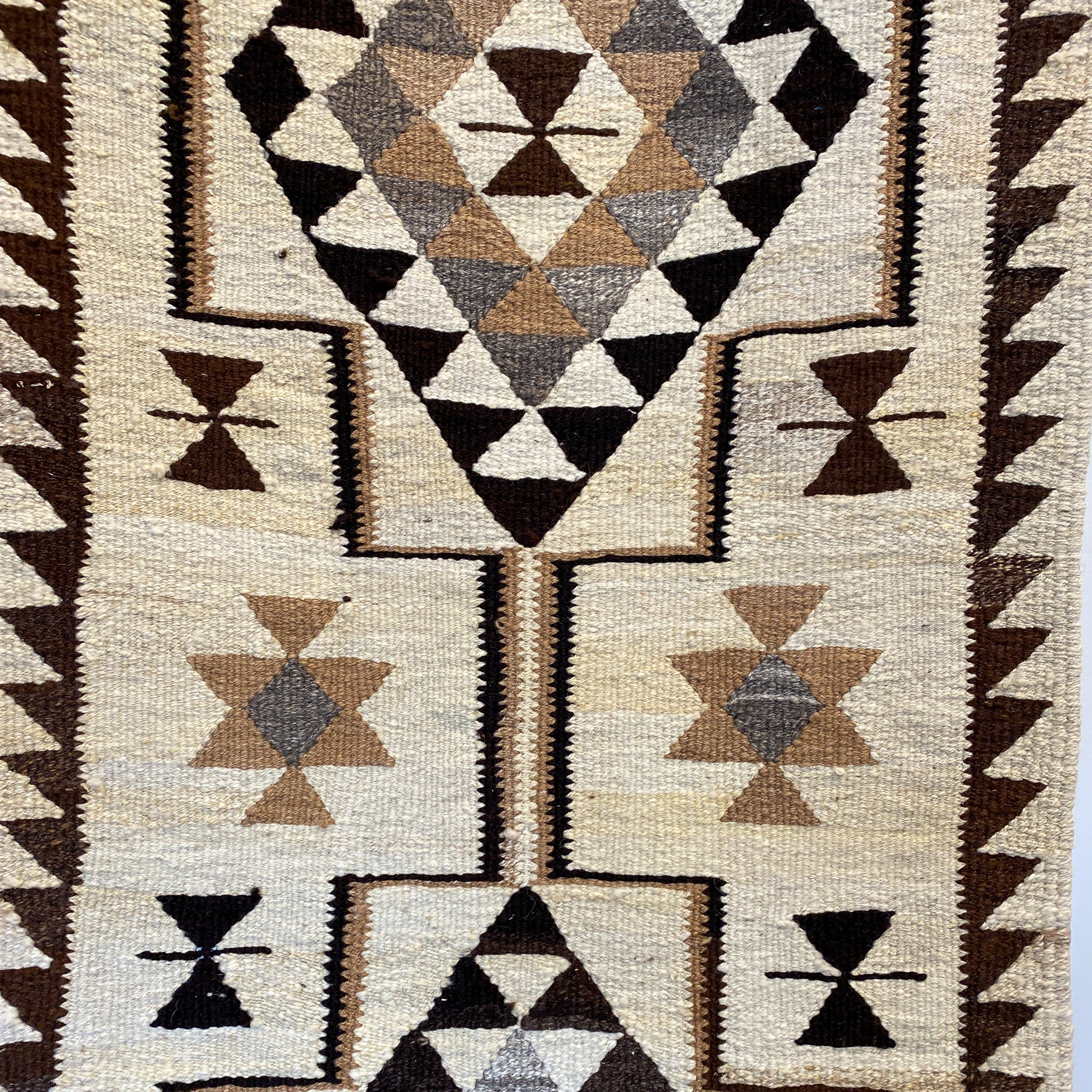 ON HOLD 2517 Handwoven Vintage Rug 2'10x10'5