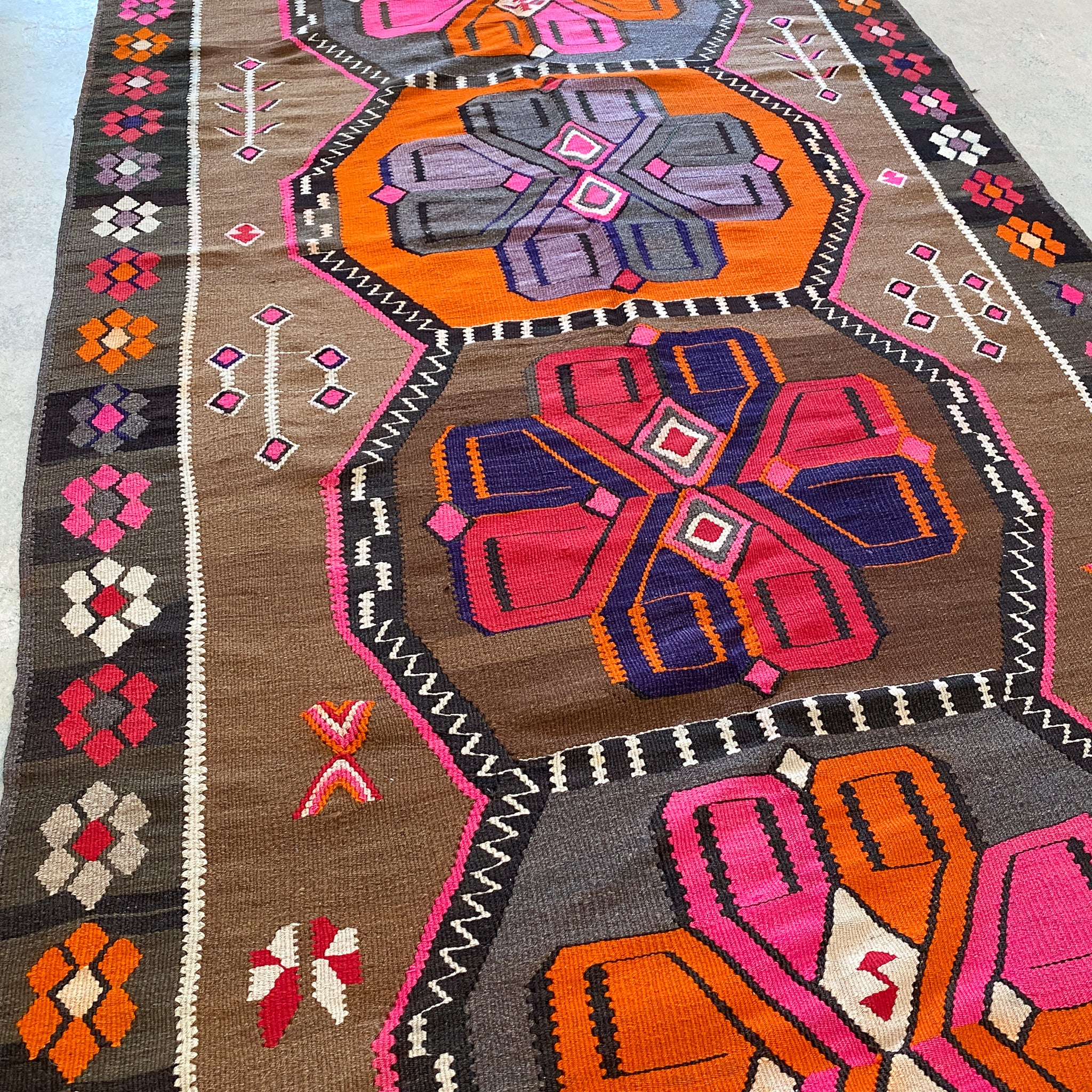 ON HOLD 2592 Handwoven Vintage Rug 5'7x12'10