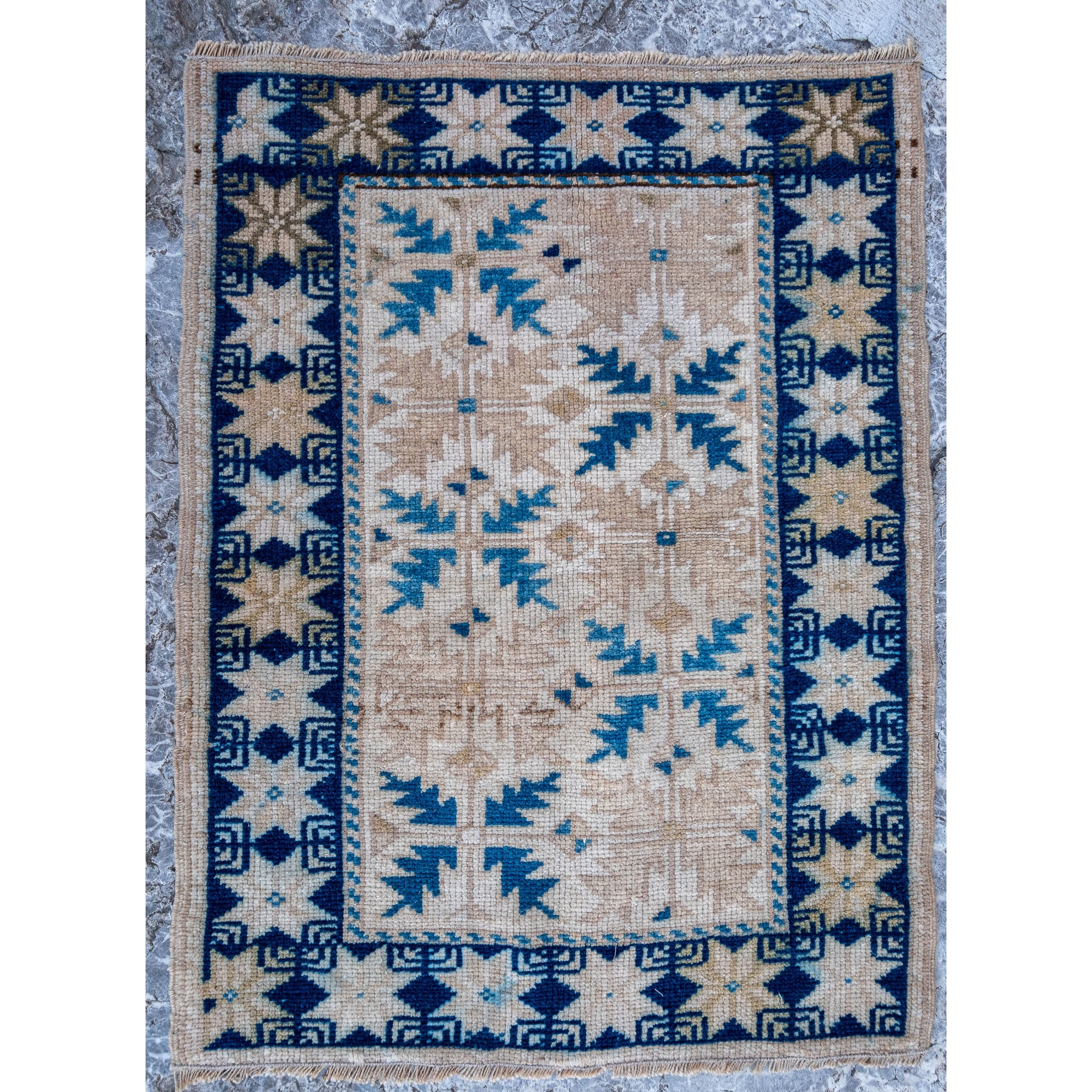ON HOLD NOT AVAILABLE FOR PURCHASE 2860 Handwoven Vintage Rug 2'1x2'9
