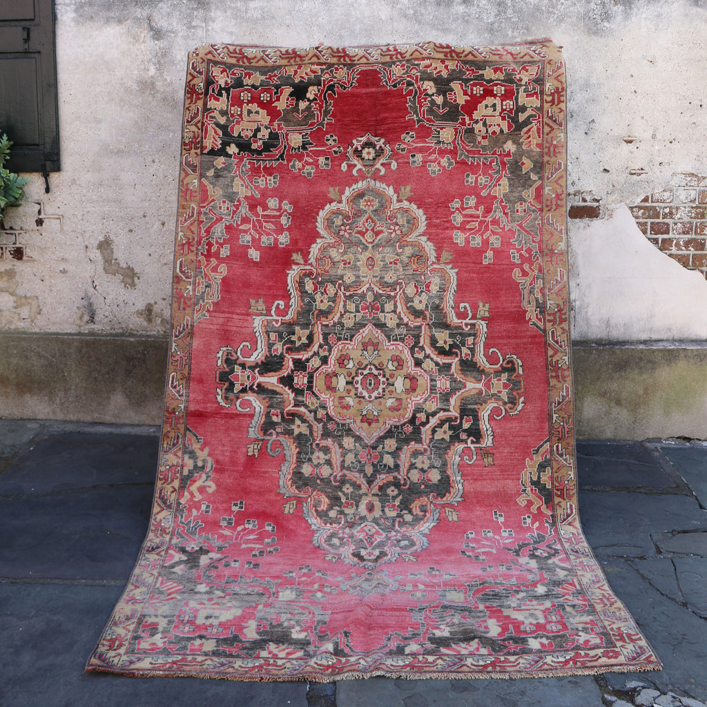 ON HOLD 2998 Handwoven Vintage Rug 5'3x9'6