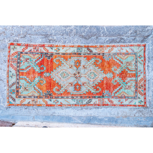 ON HOLD SW 3352 Handwoven Vintage Rug 2'7x5'9