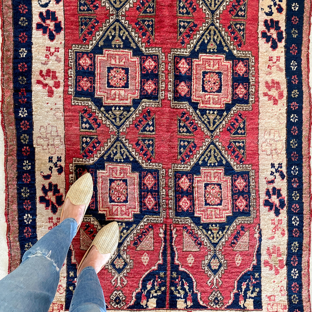 700 Handwoven Antique Rug 4'1x8'9