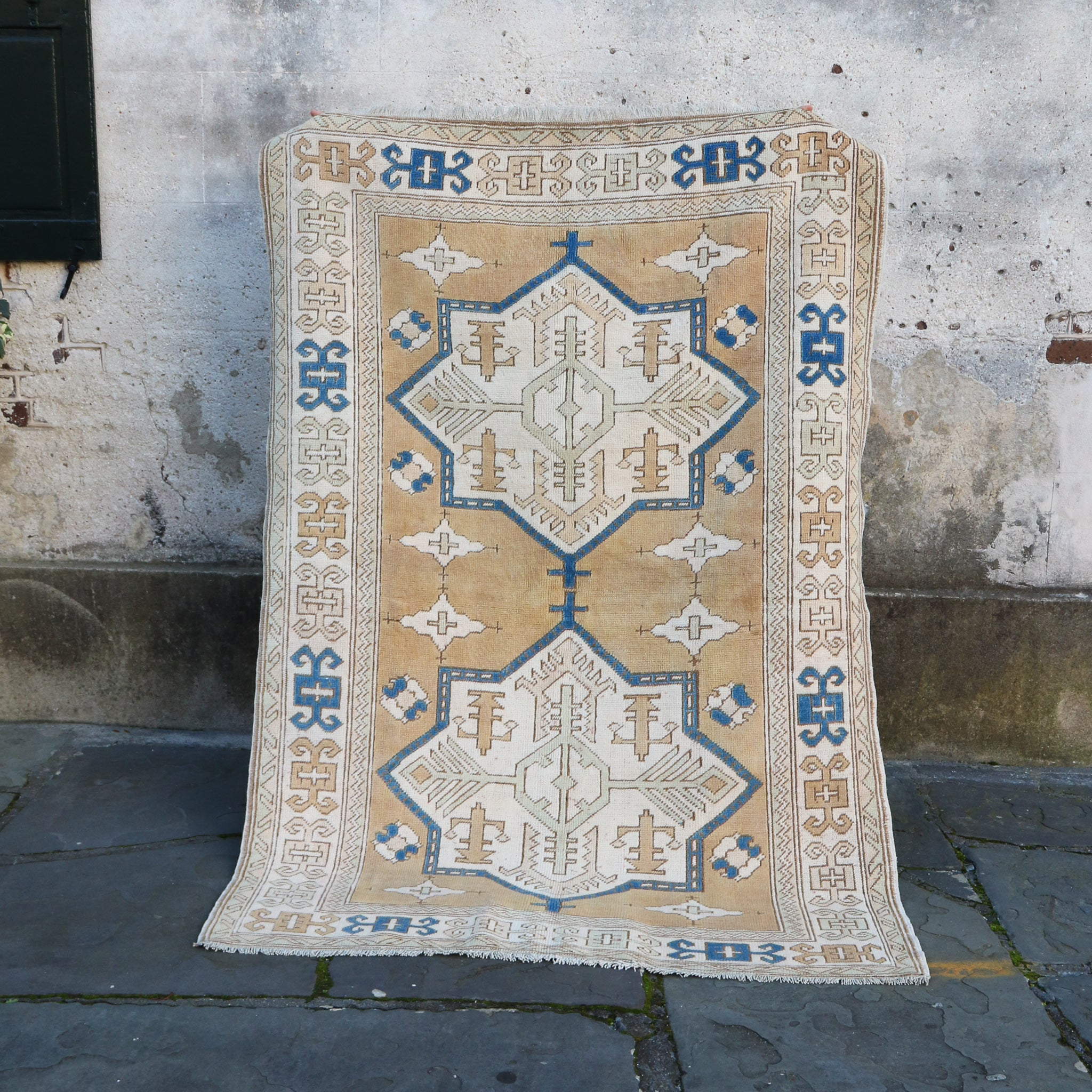 CURRENTLY ON HOLD 751 Pinar 4'9x7'1 Handwoven Vintage Rug