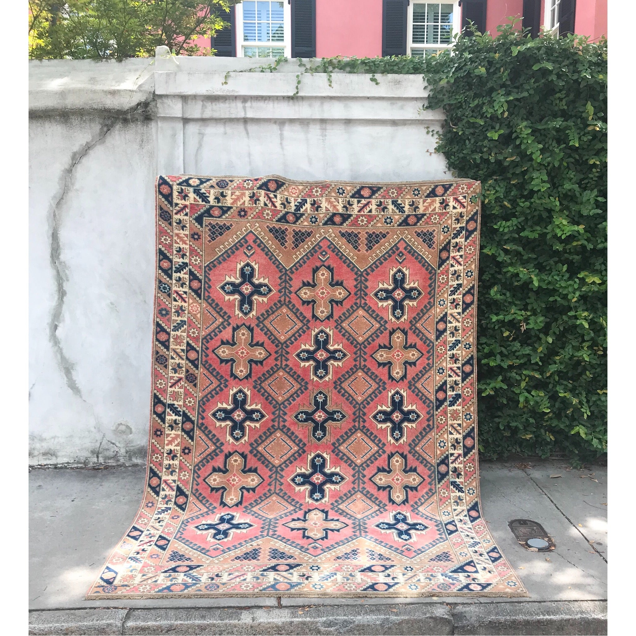 6x9 vintage Turkish rug