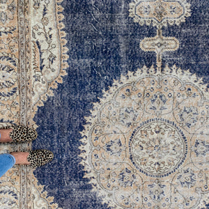 ON HOLD NOT AVAILABLE SE 2639 Handwoven Vintage Rug 6'11x10'8