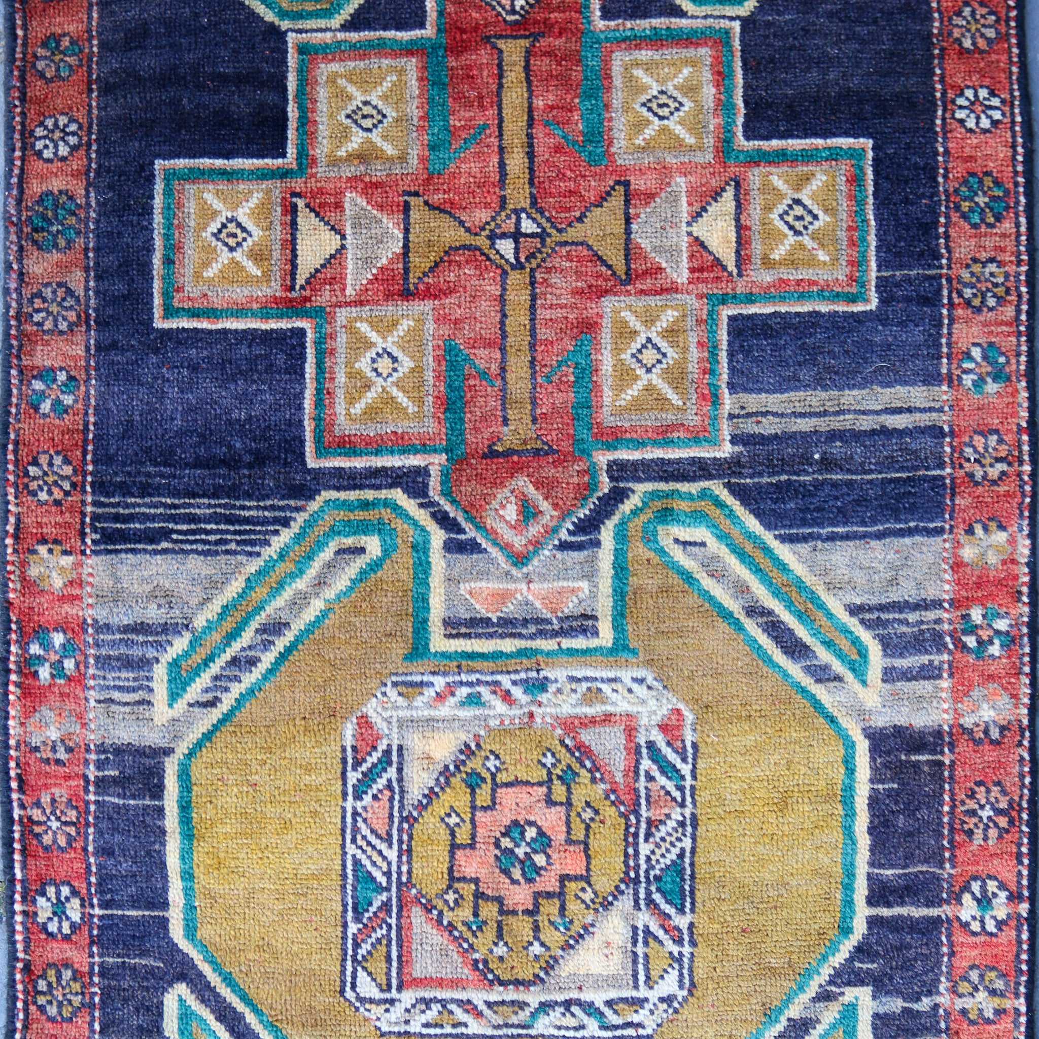 ON HOLD K5754 Handwoven Vintage Rug 2'7x8'4