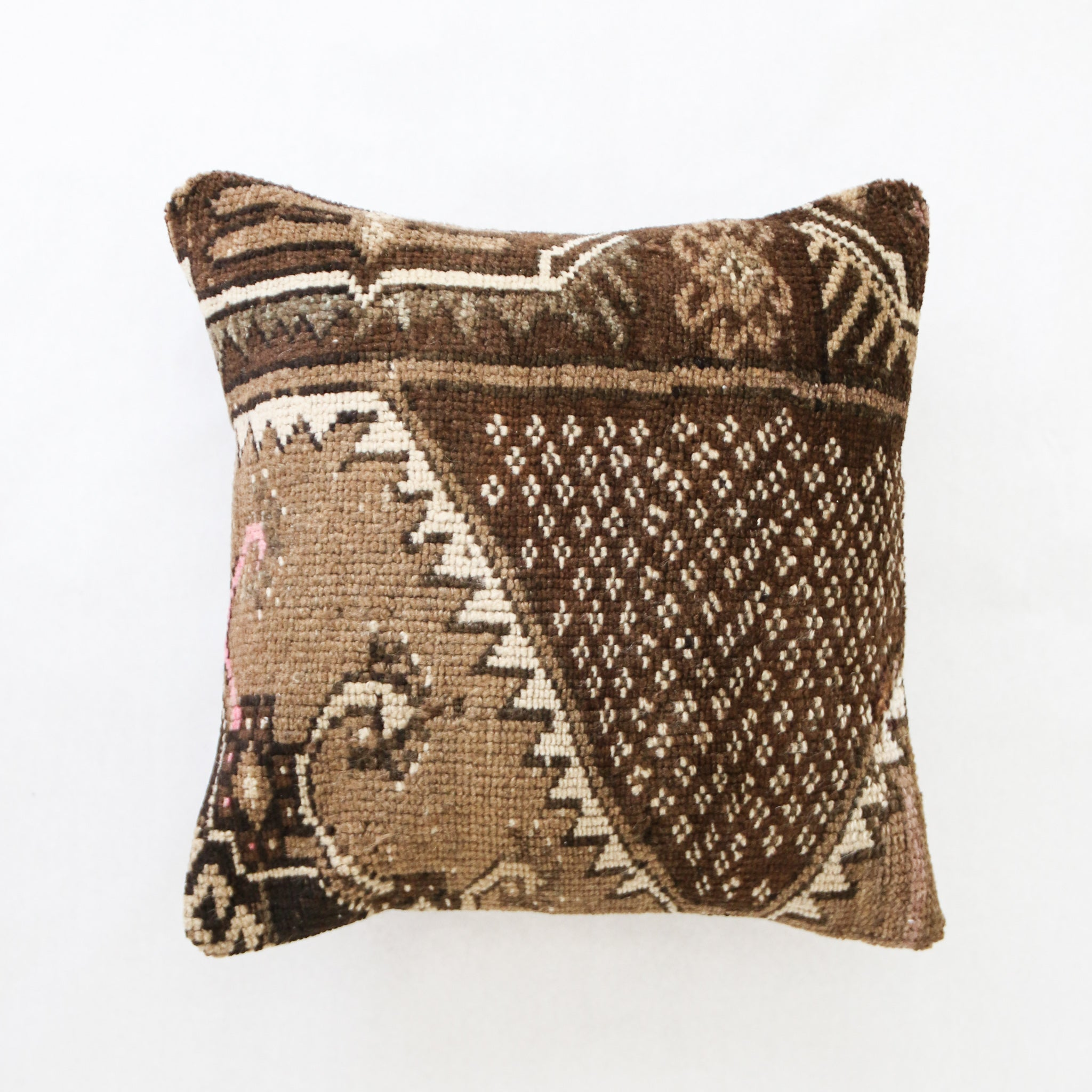 Nurten 03 Pillow 20x20