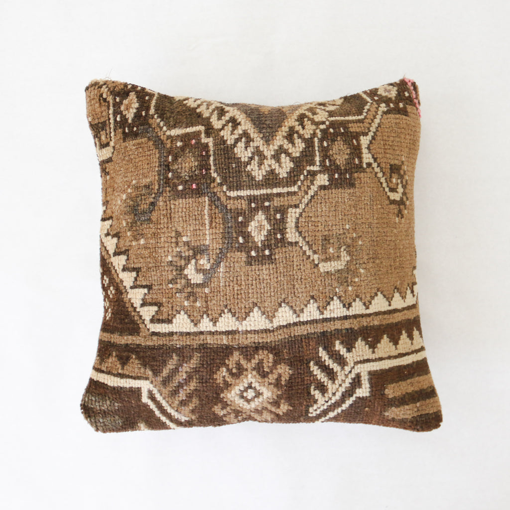 Nurten 01 Rug Pillow 20x20