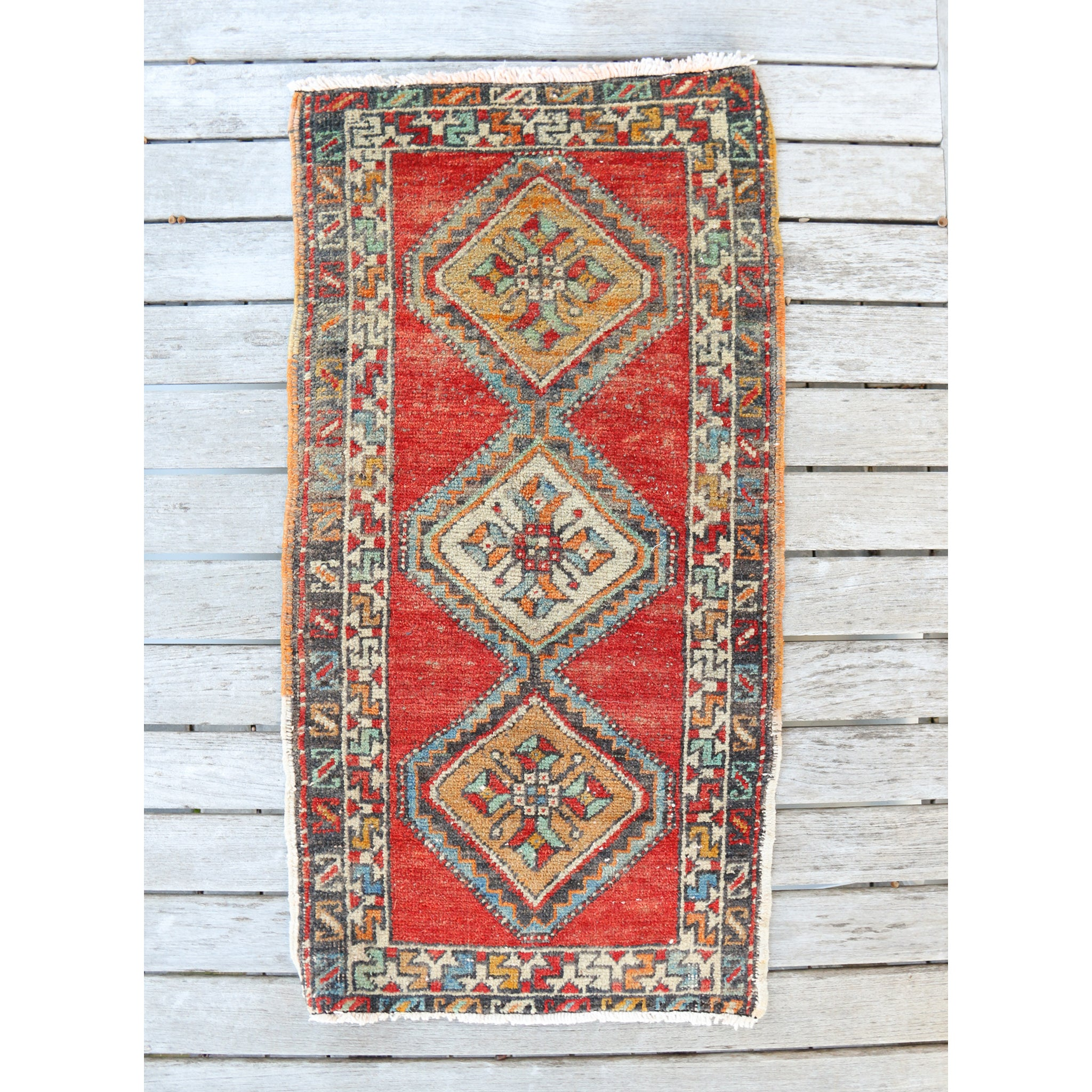 NT20 Small Handwoven Vintage Rug 1'7x3'1