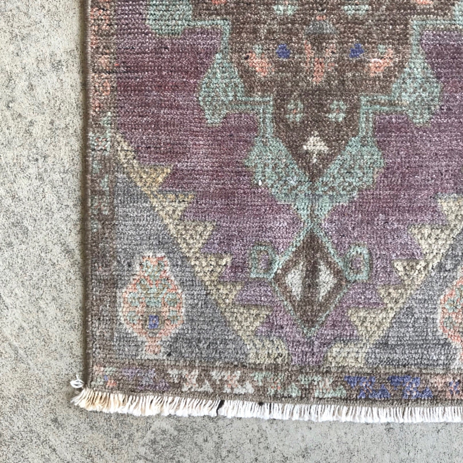 IST20 Purple Small Handwoven Vintage Rug 16x35