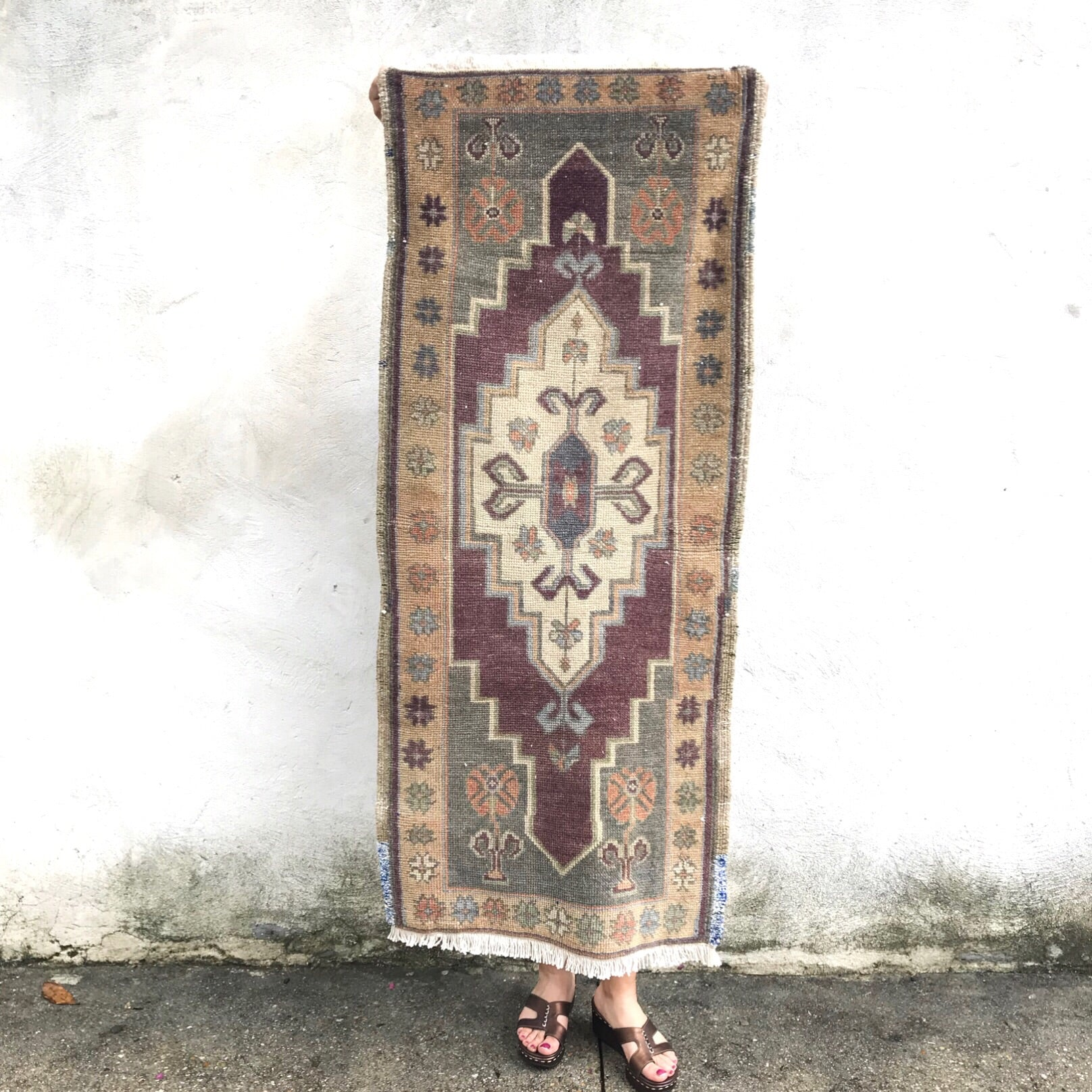 This vintage Yastik is extra long and is a beautiful gray and purple. Super soft pile. Great for entryways, bathrooms, kitchens and layering. 1'7x3'9