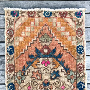 ON HOLD 968 Small Handwoven Vintage Rug 1'7x3'2