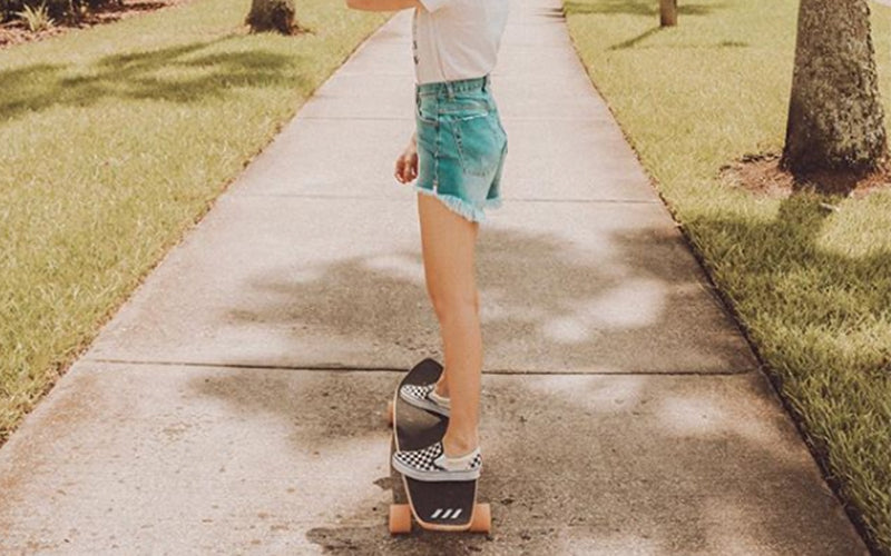 What You Need to Know Before Longboarding or Skateboarding on Campus this Fall