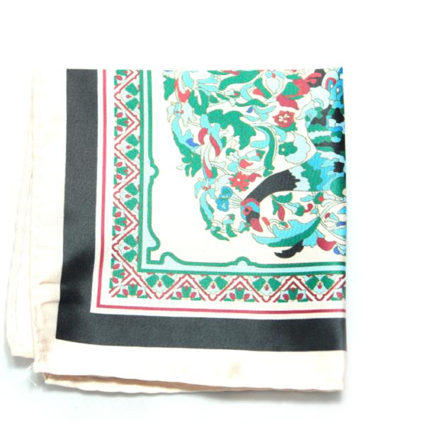 CHOKWE- White & Black Vintage Floral Print Pocket Square