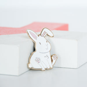Sitting and smiling white bunny enamel pin