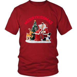 MerryKissmas Santa And Mrs. Claus Kissing Unisex T-Shirt red