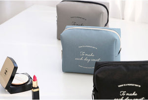 Plain Makeup Pouch M