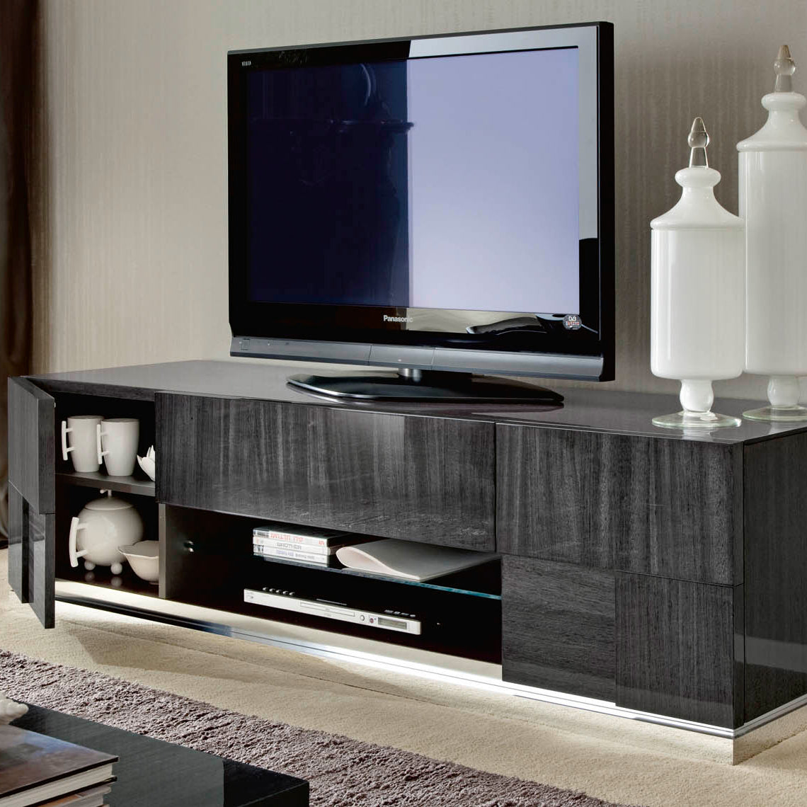 Montecarlo TV unit in a home setting