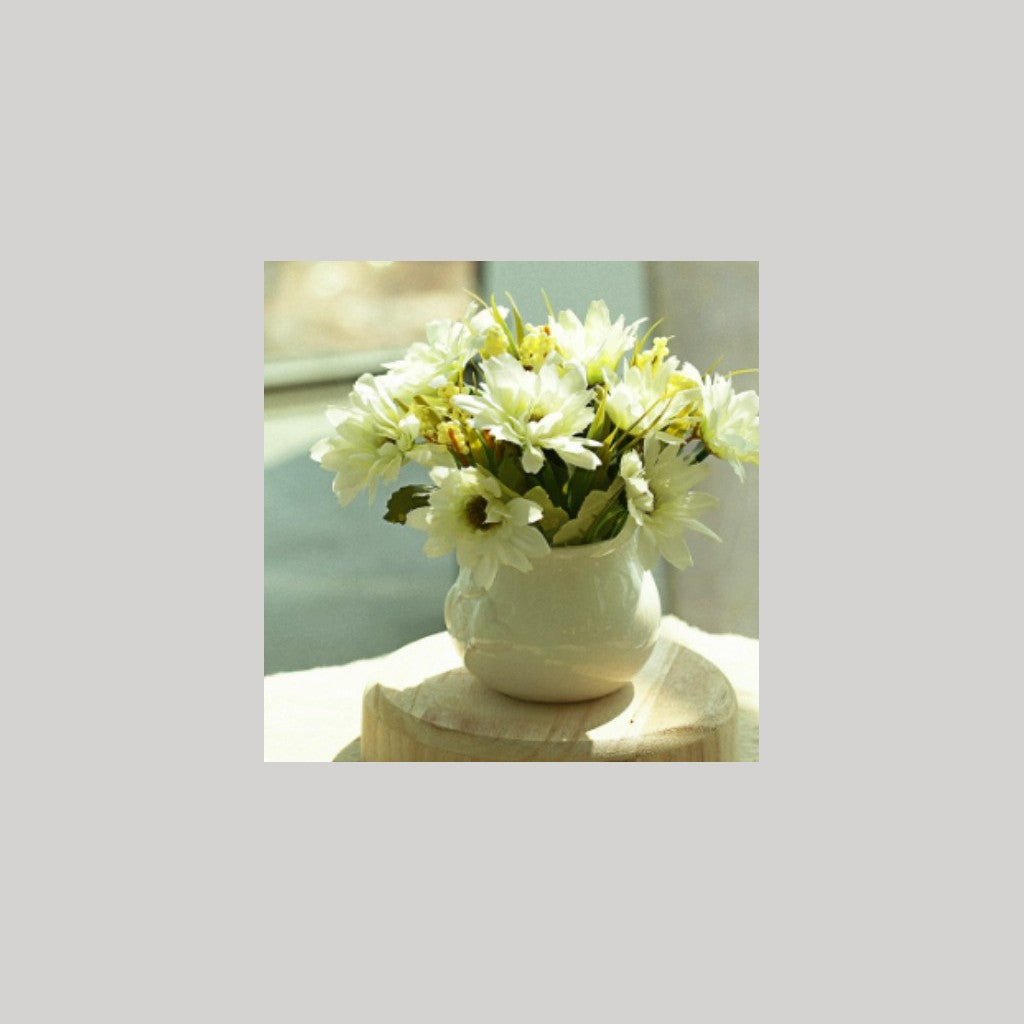 Small flower Pot with flowers