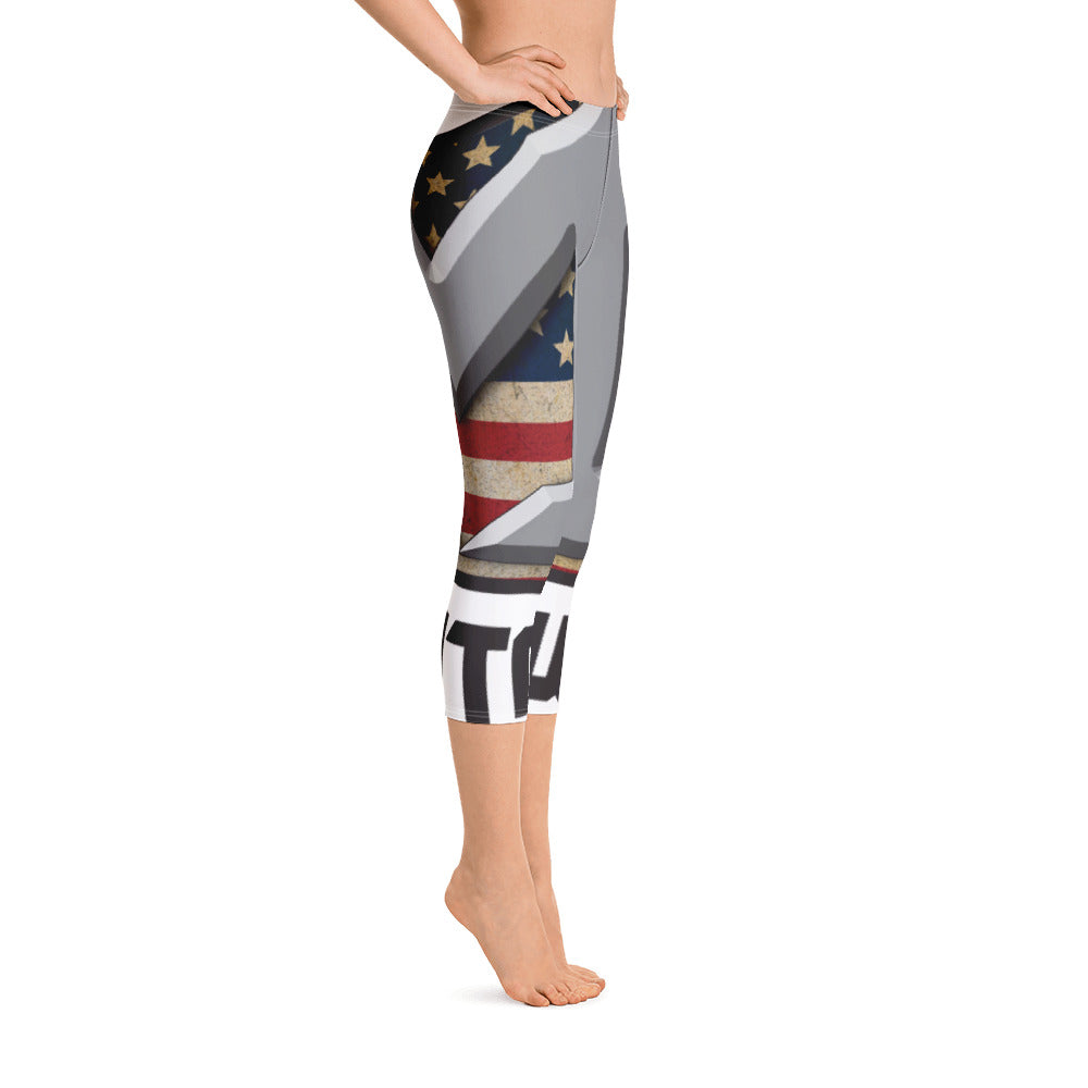 MILITARY WOMAN Capri Leggings