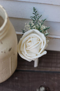 sola rose, Sola flowers,boutonniere, buttonhole, rustic, rustic wedding, groomsmen, groom, groom flower