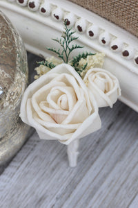 Groomsman boutonniere, groom boutonniere, sola flowers, rustic wedding, country wedding, buttonhole, rose boutonniere, rose buttonhole
