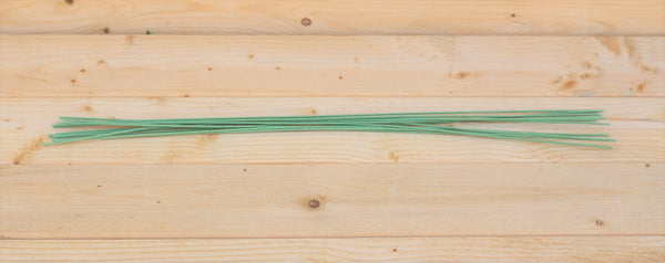 "18"" Green 18 Gauge Cloth Covered Floral Wire Stems (50 Count)"